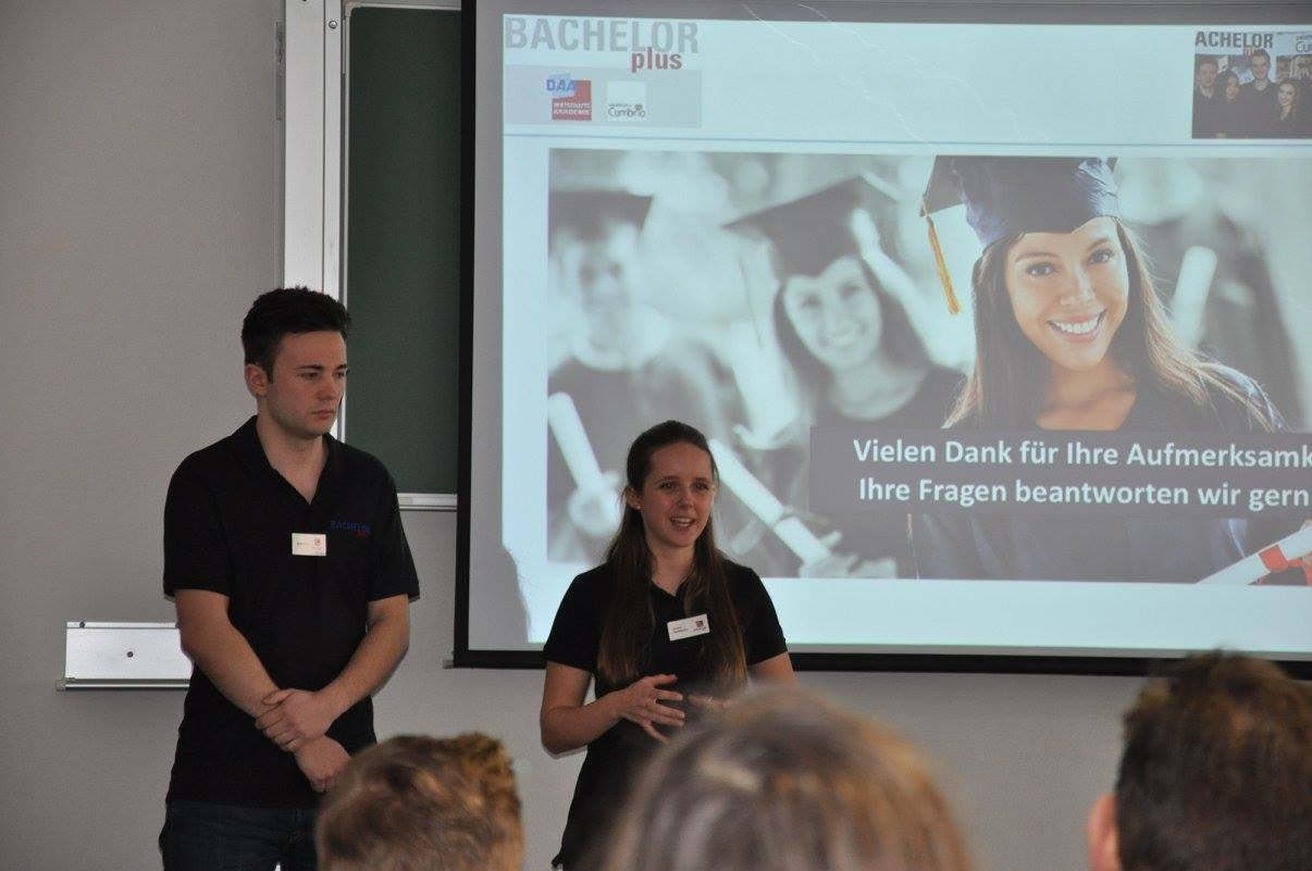 Studenten pr sentieren bachelorplus bachelorplus bwl for Management studium nc