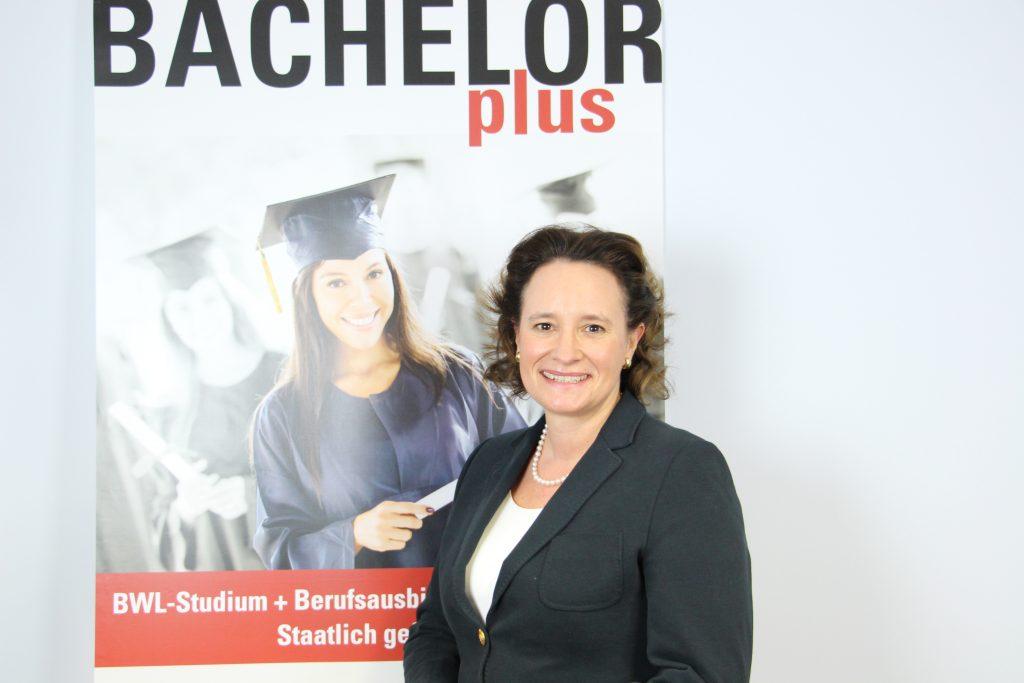 Dozenten bachelorplus bwl studium plus auslandsjahr for Nc fur bwl studium