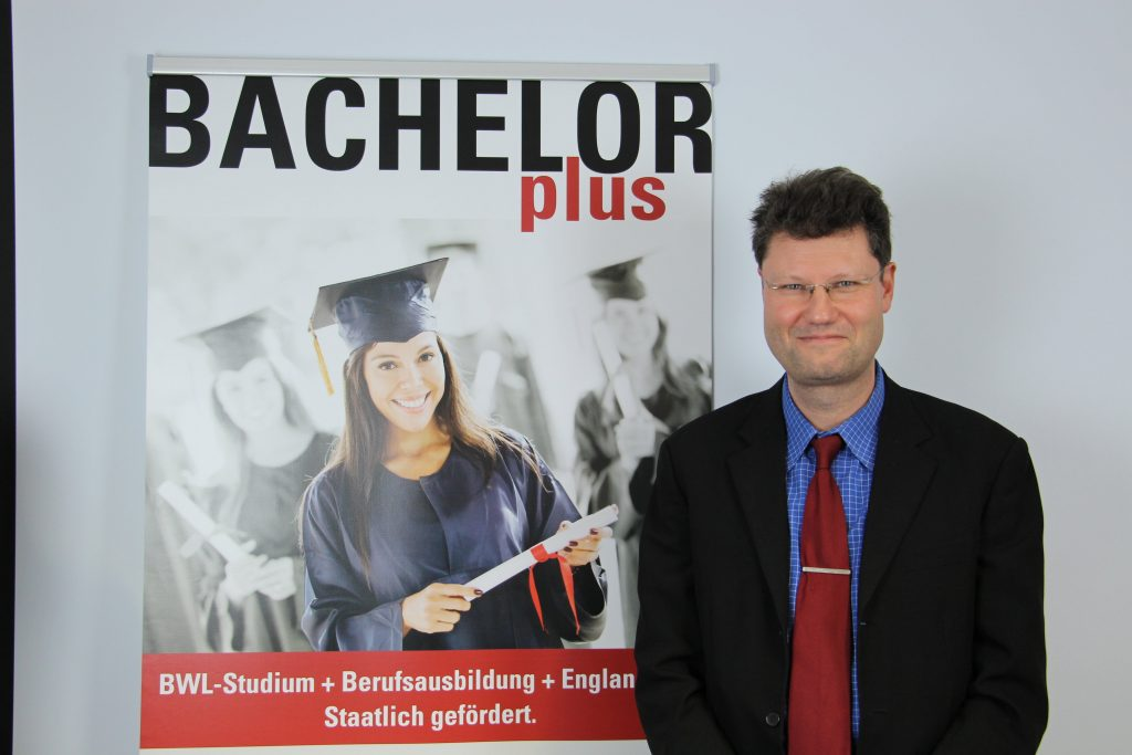 Dozenten bachelorplus bwl studium plus auslandsjahr for Management studium nc